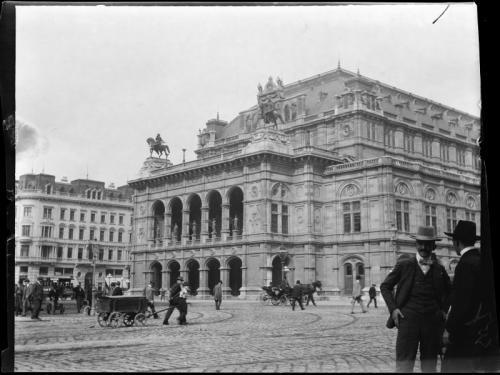 HCz.30(137) Opera, Wiedeń